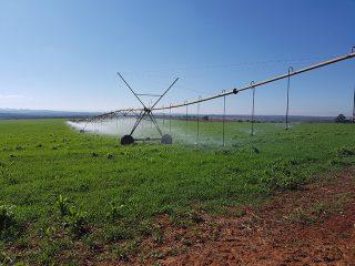 Solare Bewässerungssysteme und Strassenbeleuchtungen in Afrika