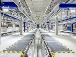 Beleuchtung und elektrische Anlagen in Wartungshallen von Schienenverkehrsbetrieben