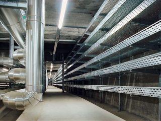 Elektrische Verkabelung und Steuerungstechnik in Produktionshallen